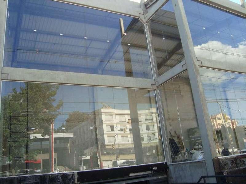 Pele de vidro temperado